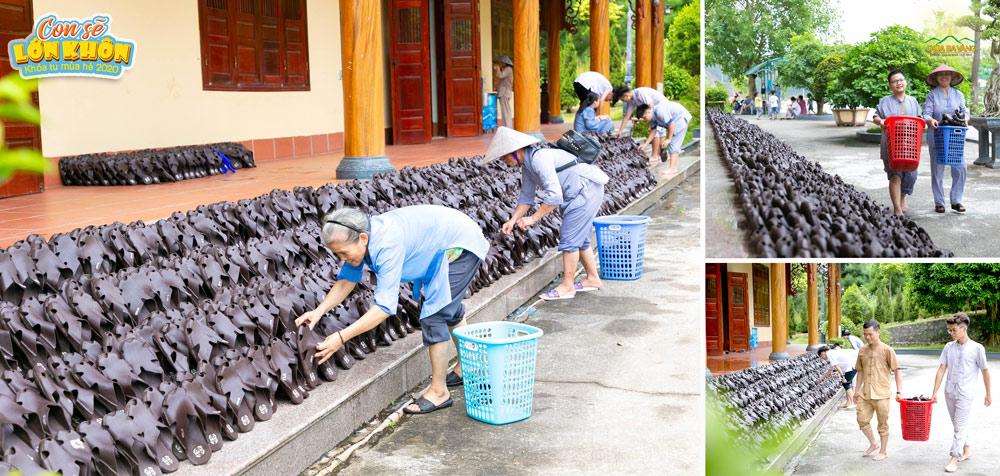 Những đôi dép Ôn đột được các cô bác Phật tử công quả ở chùa cọ rửa sạch sẽ, sẵn sàng chào đón các bạn khóa sinh