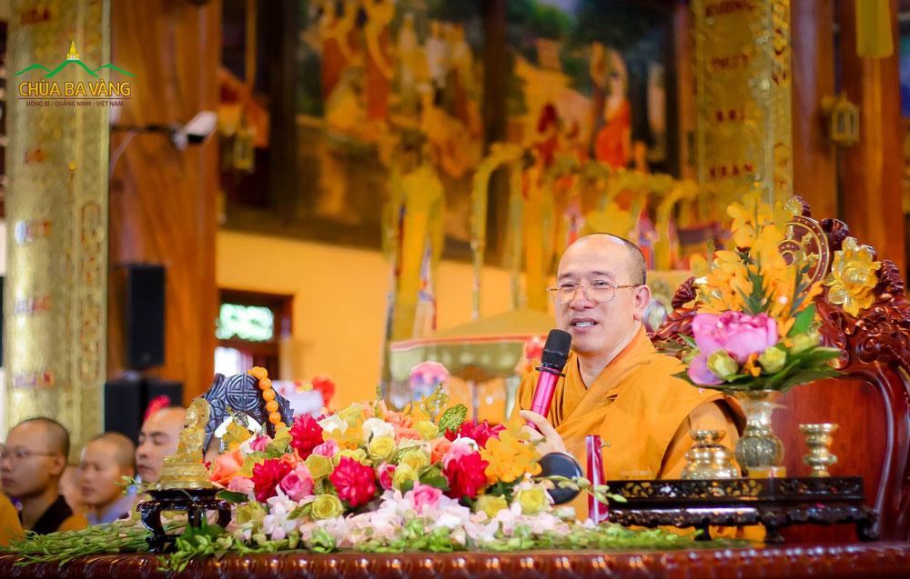 Sư Phụ Thích Trúc Thái Minh giảng về lễ Vu lan trong Đại lễ Vu lan 2018 chùa Ba Vàng