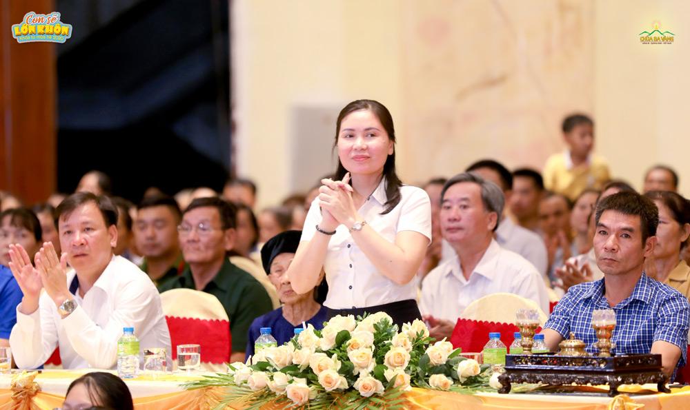 Bà Vũ Thị Hồng Nhung - Thành ủy viên, Trưởng phòng Lao động - Thương binh và Xã hội thành phố Uông Bí