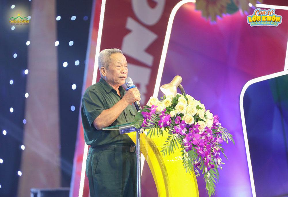Ông Nguyễn Hữu Nguyên – Cơ quan Tổ chức - Nội vụ thành phố Uông Bí phát biểu tại buổi lễ