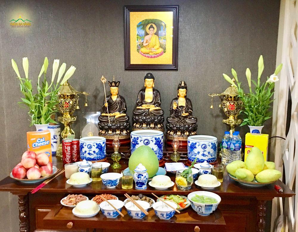Gia chủ nên thực hành lời Phật dạy trong việc thờ cúng để việc cúng rằm tháng 7 được lợi ích cho kẻ còn, người mất