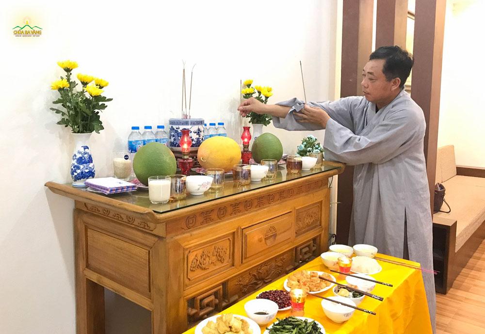 Phật tử không về chùa được nhưng phát tâm cúng dường tại nhà thì vong linh vẫn nhận được phước báu
