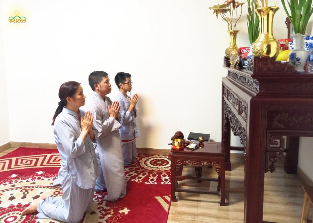 Gia đình Phật tử thành kính hướng tâm tri ân Sư Tổ