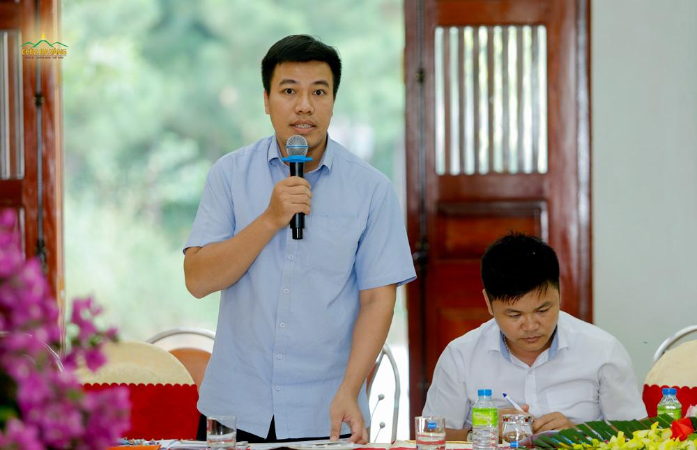 Đại diện Phòng Văn hóa và Thông tin thành phố Uông Bí phát biểu tại buổi họp