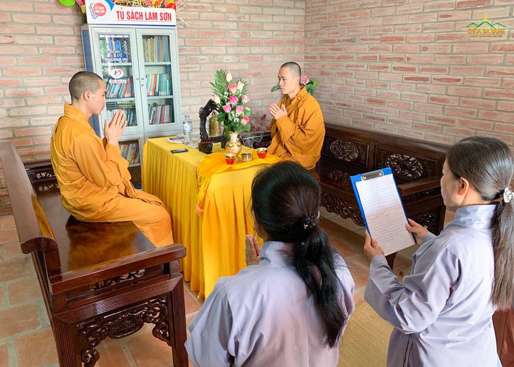 Đại diện chư Tăng chùa Ba Vàng đã quang lâm chùa Diên Phúc (Thanh Hóa) để truyền trao Bát Quan trai giới.