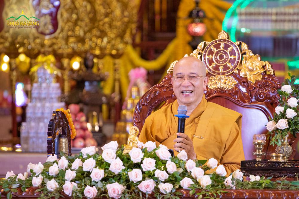 Sư Phụ Thích Trúc Thái Minh chia sẻ và hướng dẫn cách xử lý khi nhà có mộ kết để được lợi ích (ảnh minh họa)